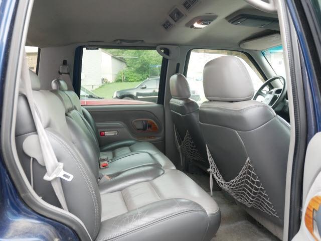Chevrolet Tahoe Limited/Z71 2000 price $2,677