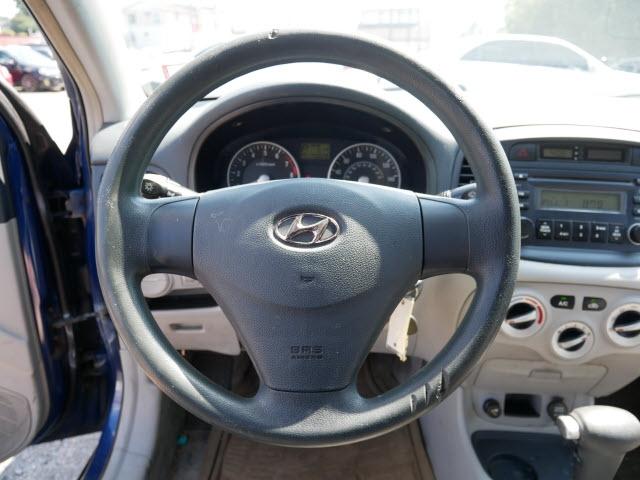 Hyundai Accent 2006 price $2,977