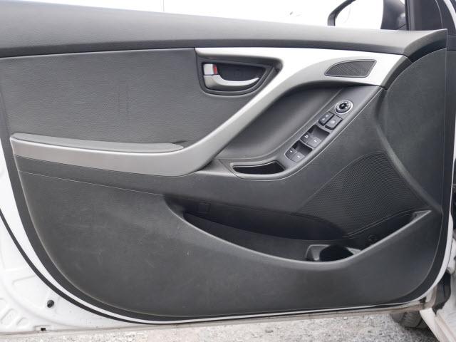 Hyundai Elantra 2015 price $9,277