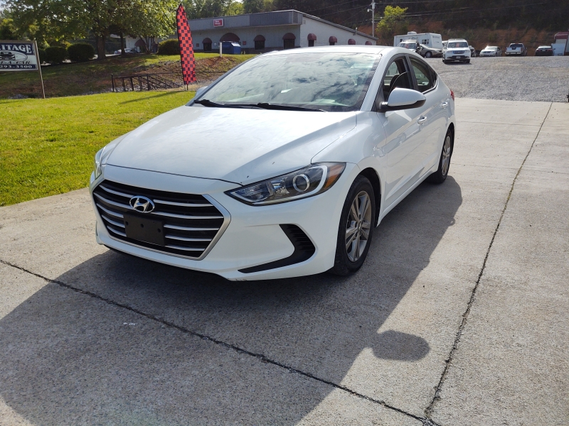 Hyundai Elantra 2017 price $44.00 Per Day