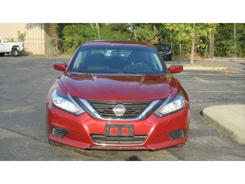 Nissan Altima 2016 price $10,495