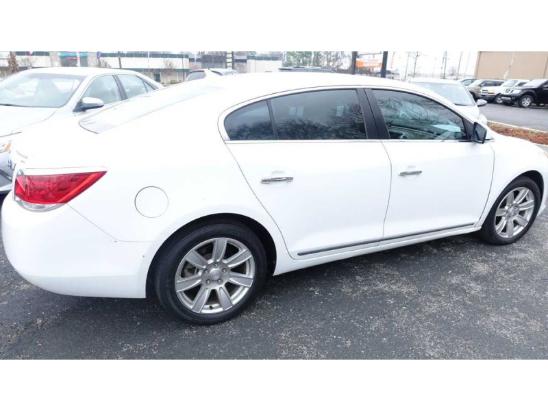 Buick LaCrosse 2011 price $10,495