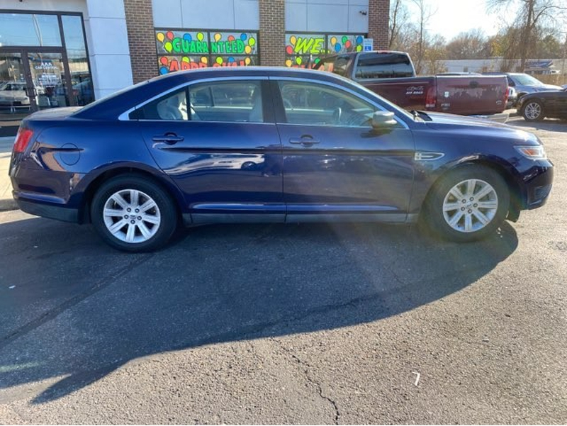 Ford Taurus 2011 price $8,225