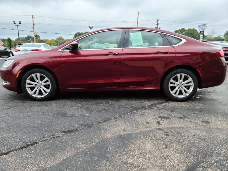 Chrysler 200 2015 price $11,495