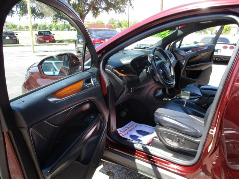 Lincoln MKC 2017 price $16,995