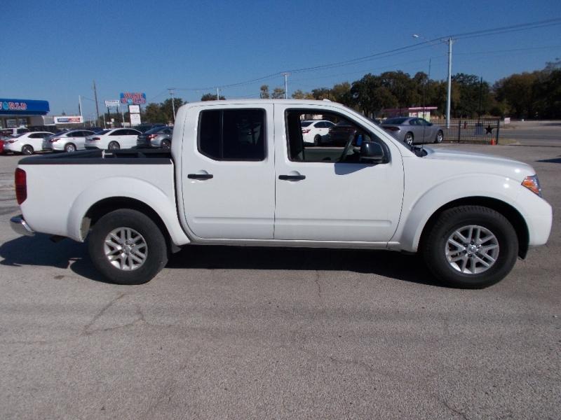 Nissan Frontier 2018 price $19,500