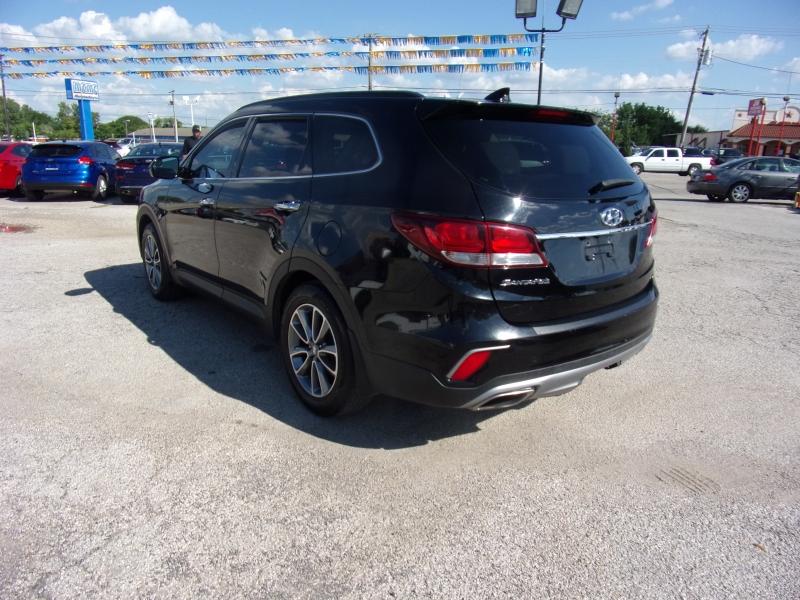 Hyundai Santa Fe 2018 price $15,995