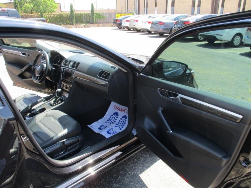 Volkswagen Passat 2017 price $17,995