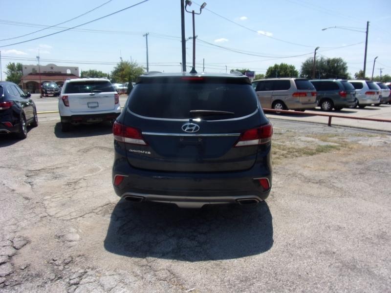Hyundai Santa Fe 2017 price $17,995