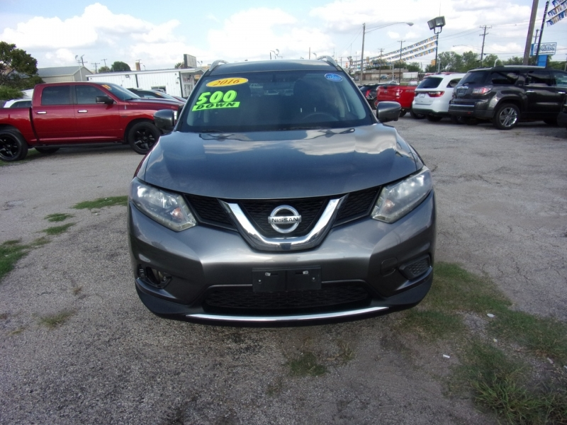Nissan Rogue 2016 price $11,900