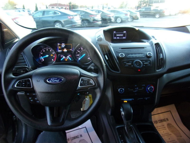 Ford Escape 2018 price $15,500