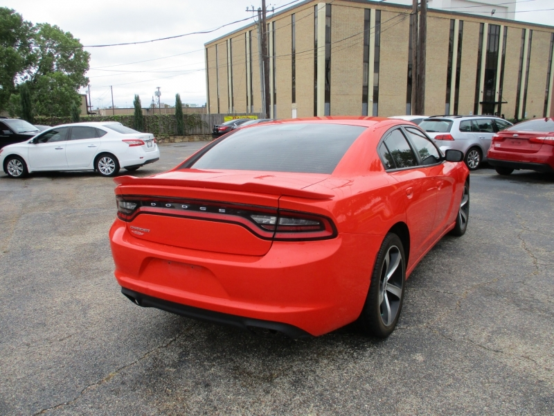 Dodge Charger 2017 price $19,995