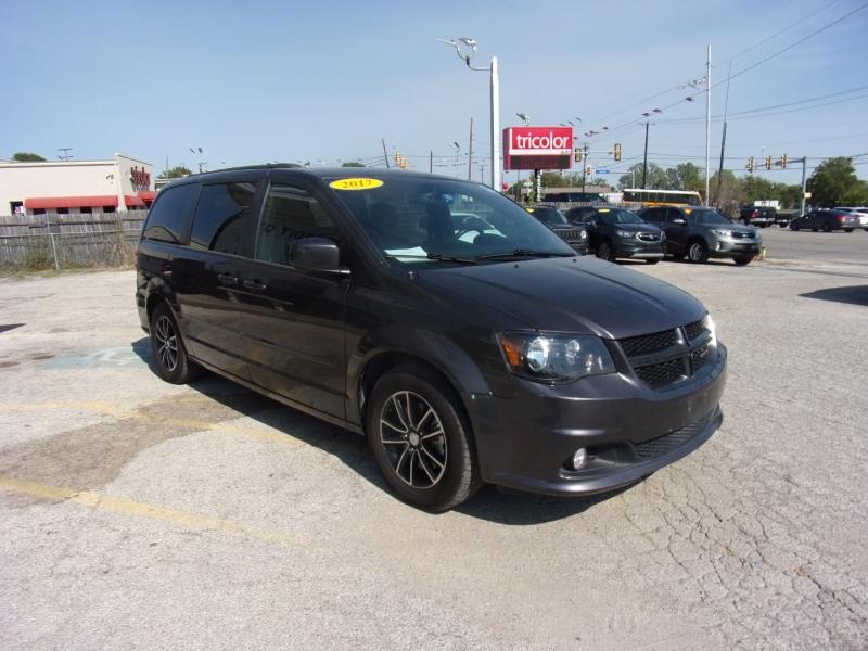 Dodge Grand Caravan 2017 price $13,500