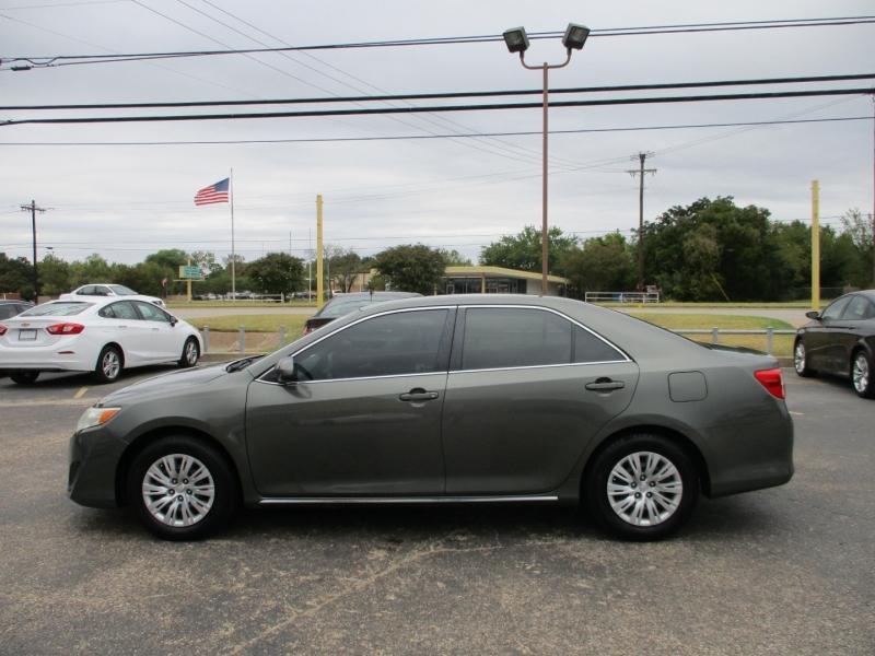 Toyota Camry 2013 price $8,995