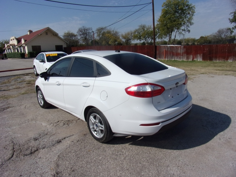 Ford Fiesta 2019 price $12,995