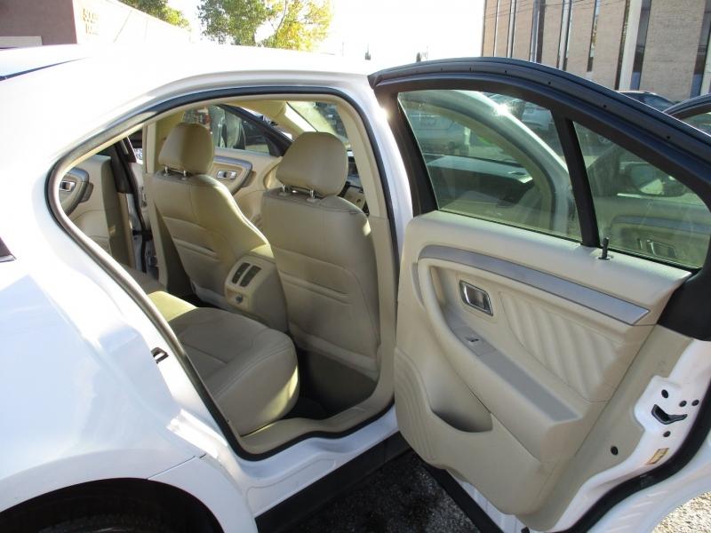 Ford Taurus 2016 price $13,995