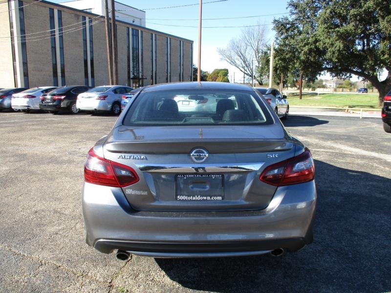Nissan Altima 2017 price $14,995