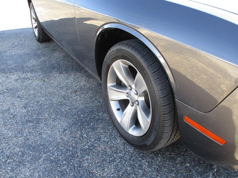 Dodge Challenger 2017 price $20,500
