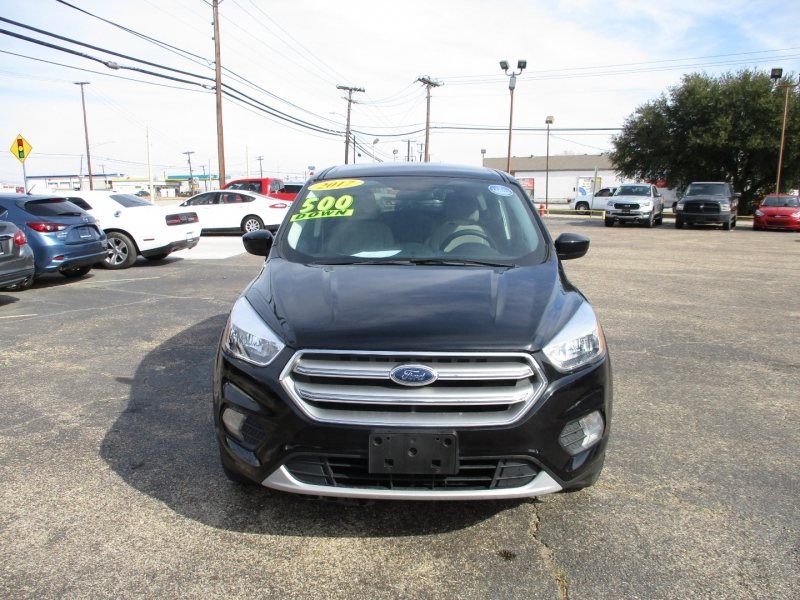 Ford Escape 2017 price $11,995