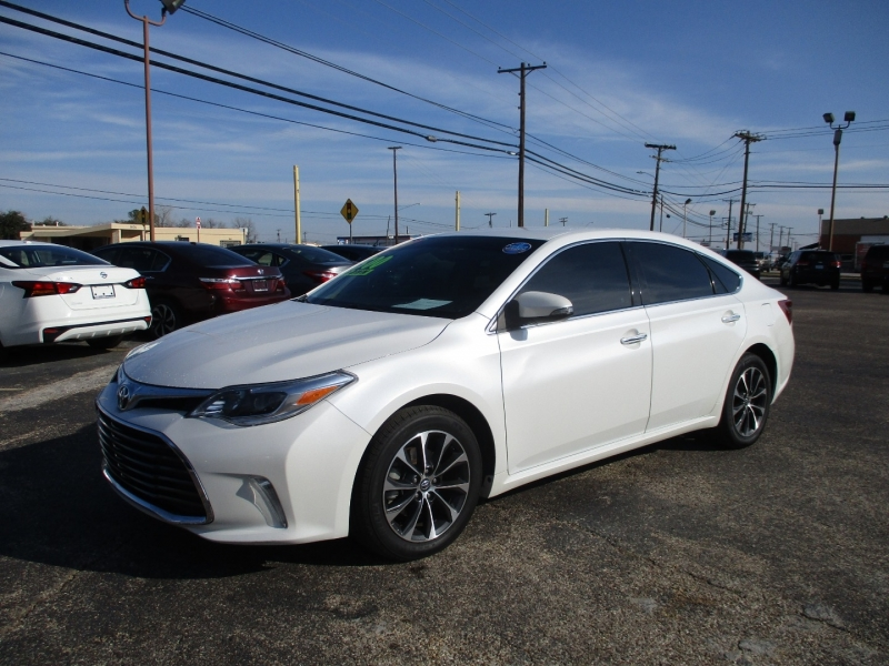 Toyota Avalon 2016 price $17,995