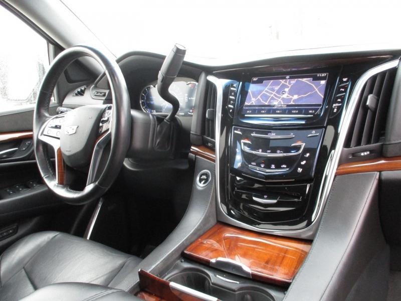 Cadillac Escalade 2016 price $38,995