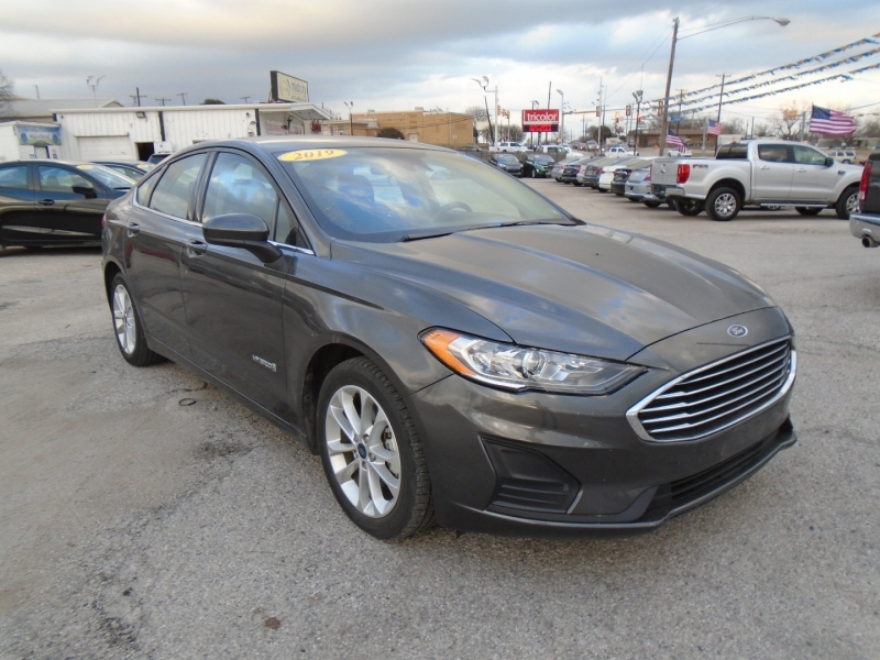 Ford Fusion Hybrid 2019 price $14,995