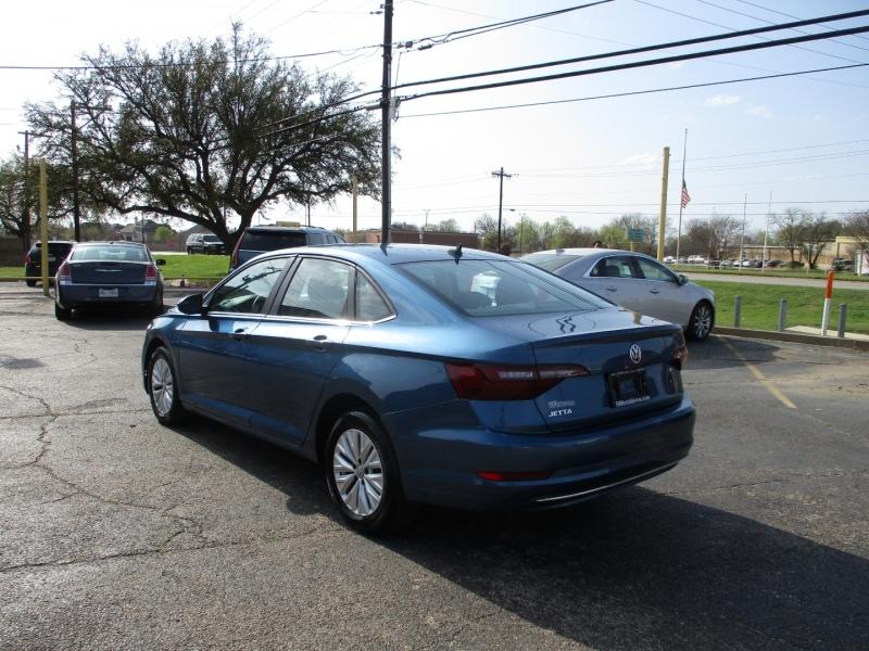 Volkswagen Jetta 2020 price $17,995