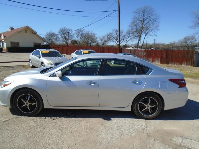 Nissan Altima 2018 price $14,500