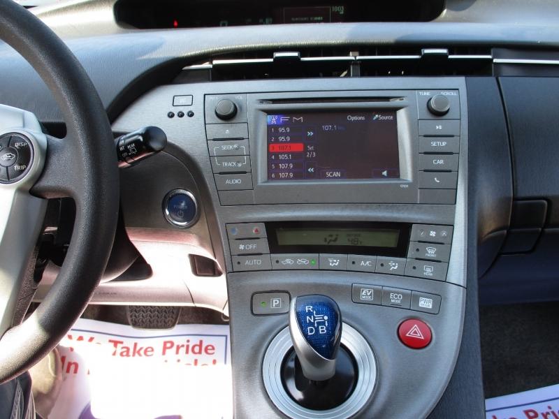Toyota Prius 2015 price $9,500