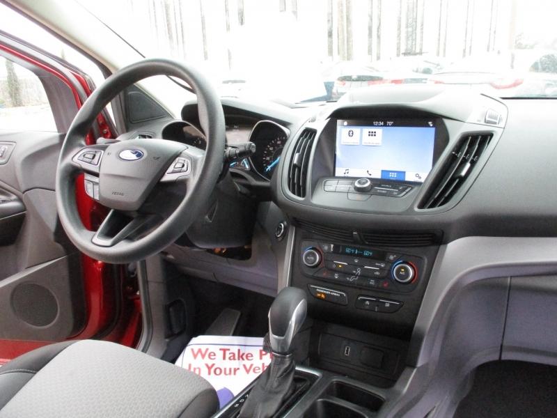 Ford Escape 2019 price $17,995