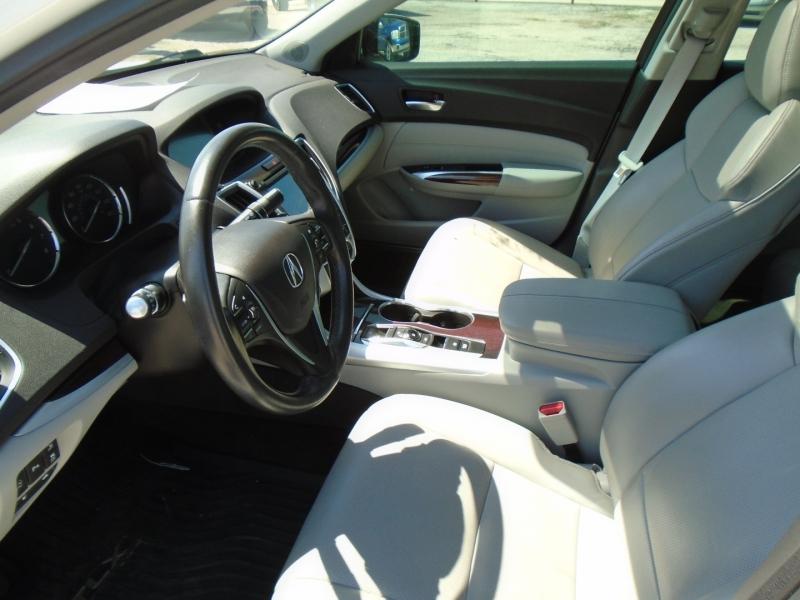 Acura TLX 2017 price $23,995