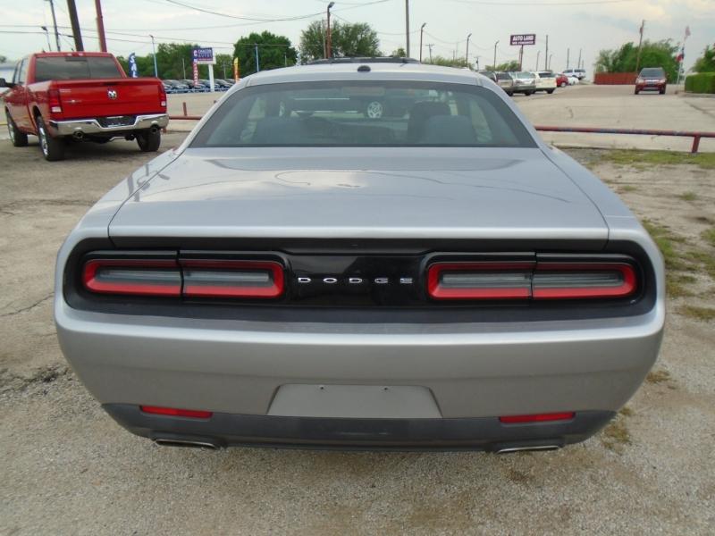 Dodge Challenger 2016 price $20,995