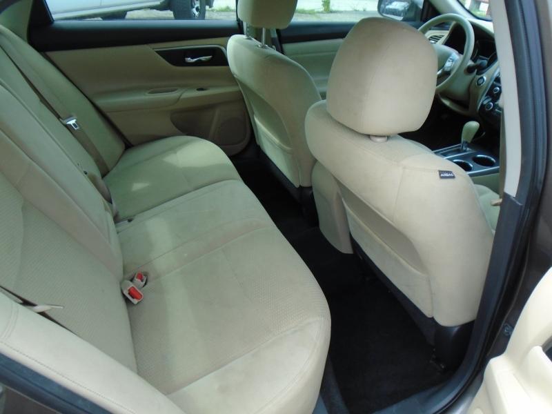Nissan Altima 2015 price $11,995