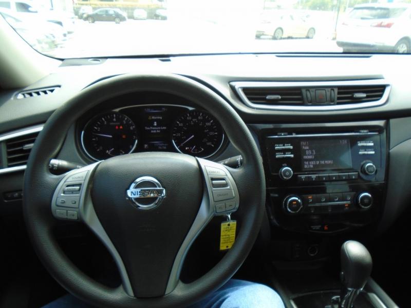 Nissan Rogue 2016 price $12,995