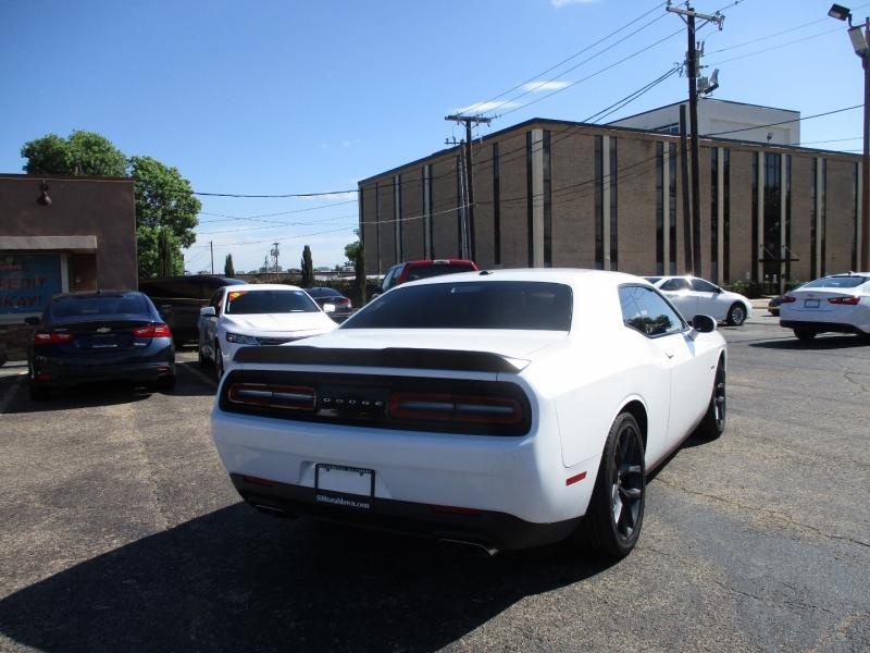 Dodge Challenger 2019 price $31,995