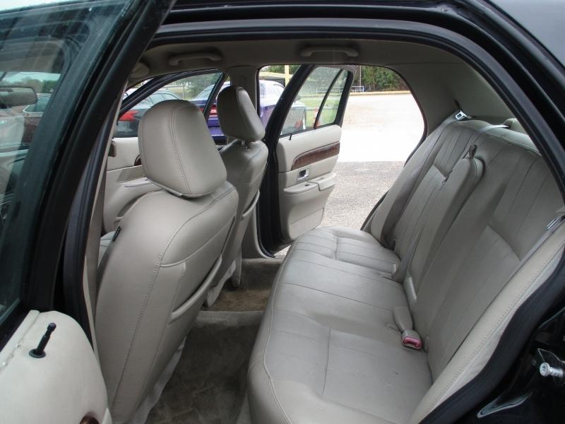Mercury Grand Marquis 2010 price $6,995