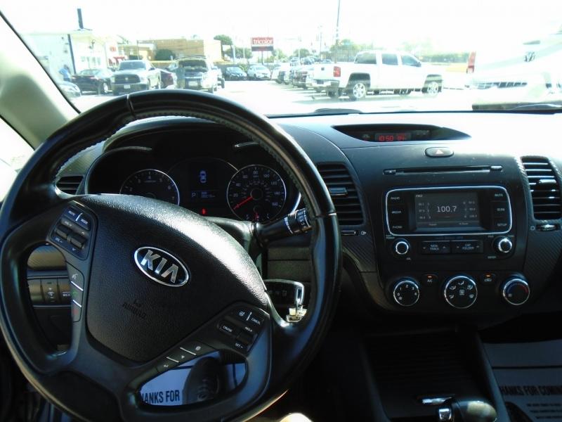 Kia Forte 2016 price $11,995