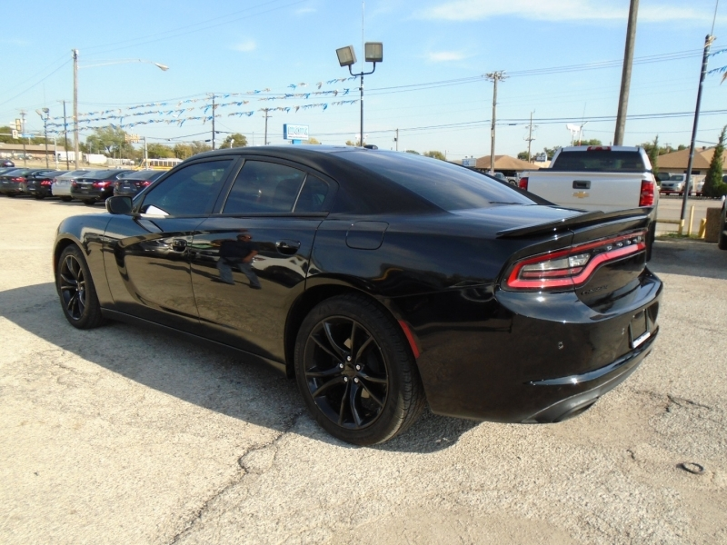 Dodge Charger 2016 price $22,995
