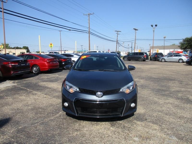Toyota Corolla 2015 price $13,995