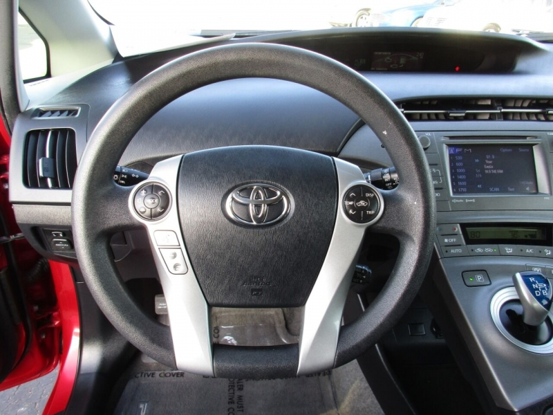 Toyota Prius 2014 price $10,995