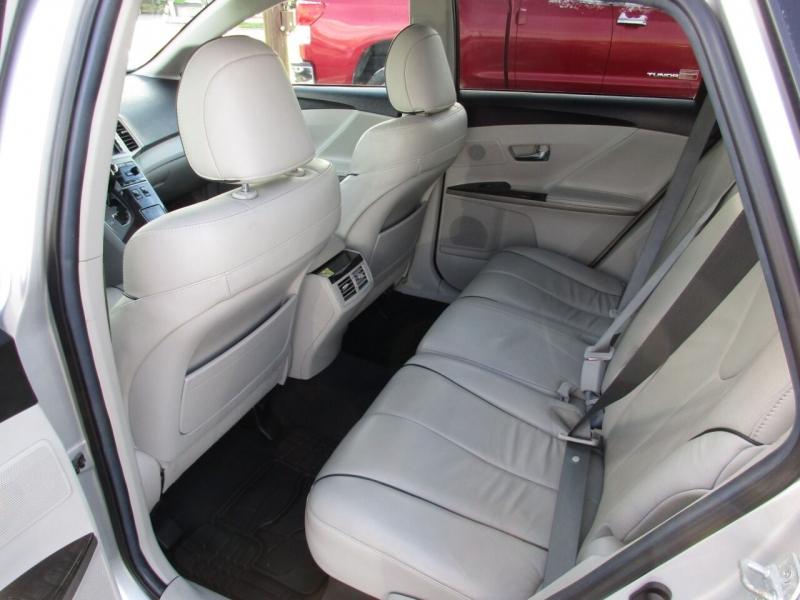 Toyota Venza 2014 price $14,995