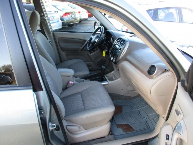Toyota RAV4 2004 price $7,500