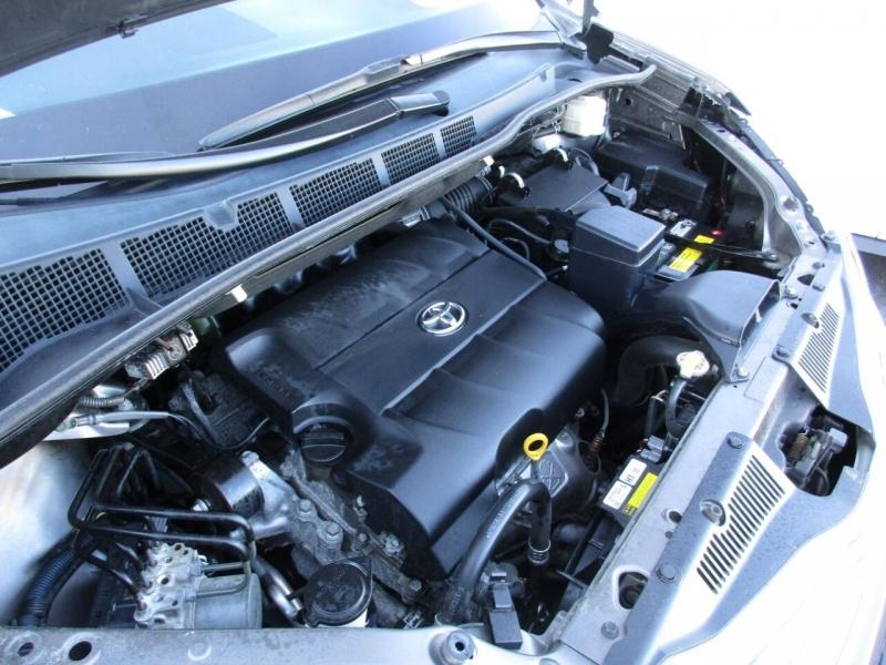 Toyota Sienna 2012 price $11,995