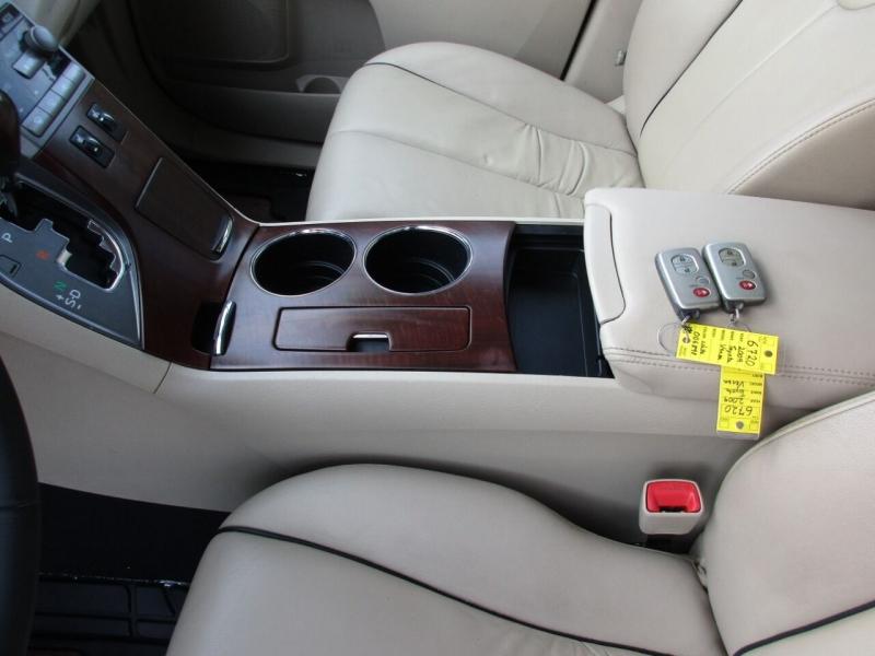 Toyota Venza 2009 price $9,995