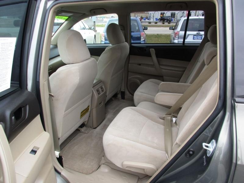 Toyota Highlander 2008 price $7,995