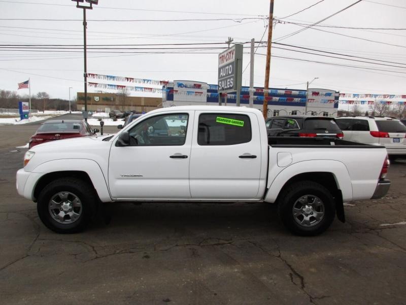 Toyota Tacoma 2009 price $15,995