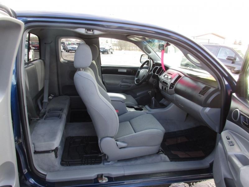 Toyota Tacoma 2005 price $16,995