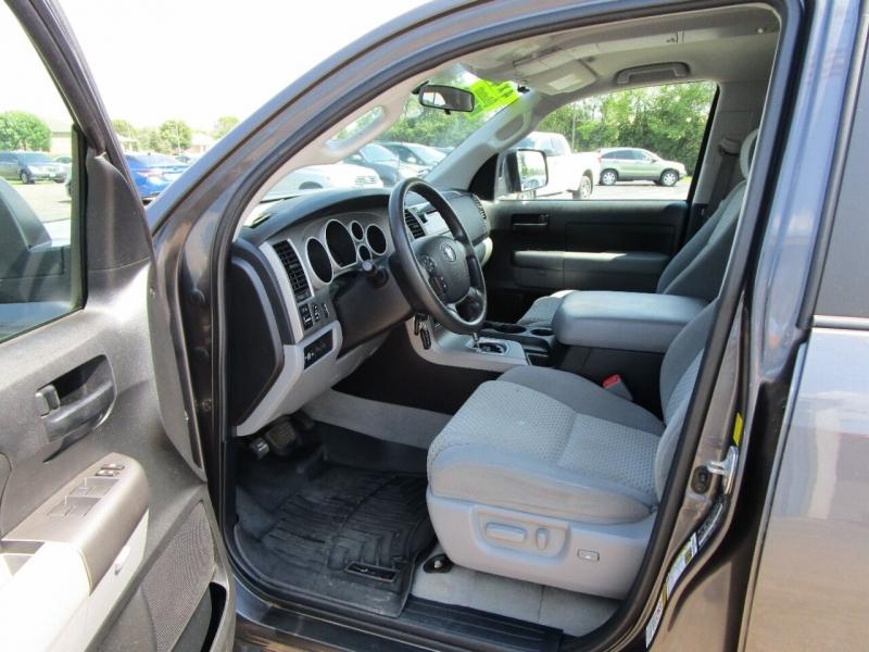 Toyota Tundra 2011 price $18,995