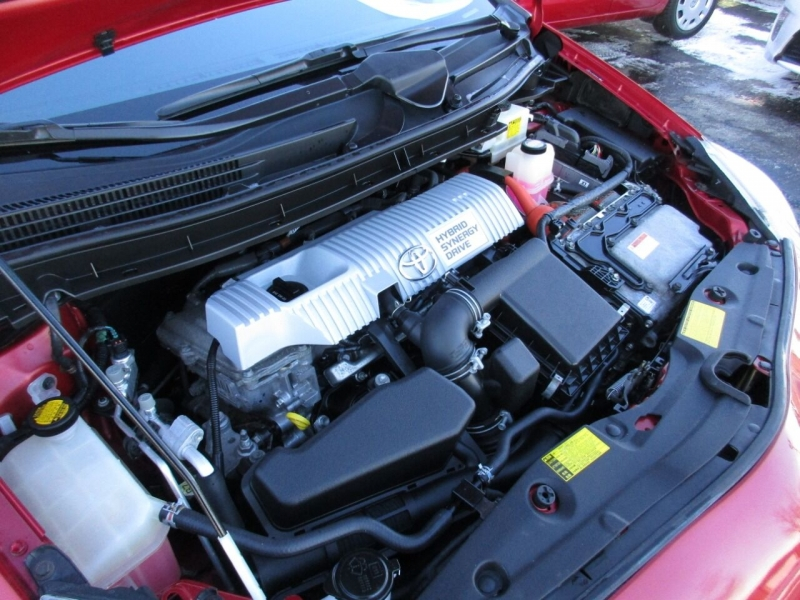 Toyota Prius 2013 price $9,995