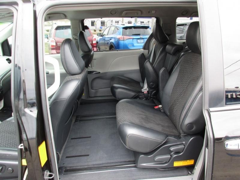 Toyota Sienna 2013 price $15,995